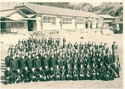 三沢中昭和49年3月.jpg